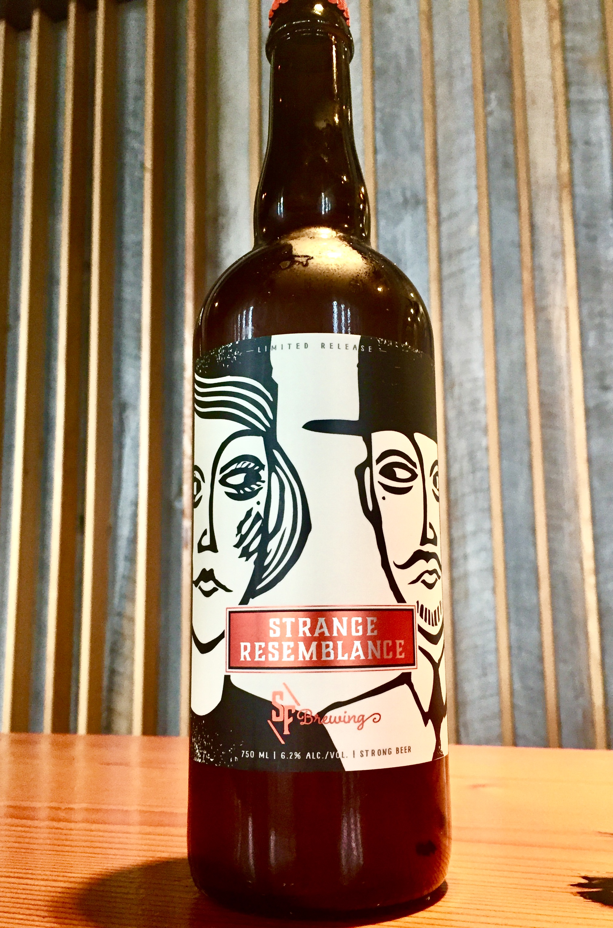 Strange resemblance strange fellows brewing craft beer for Strange craft beer company